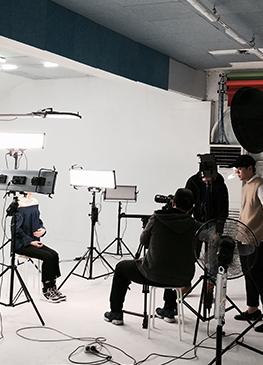 외부 스튜디오에서 촬영한 코트라 영상 현장
